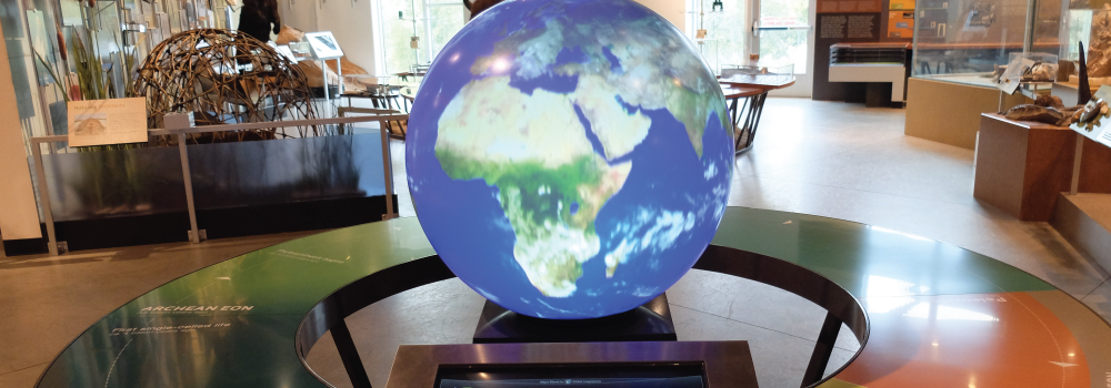 pangea.globe.exhibits.slider
